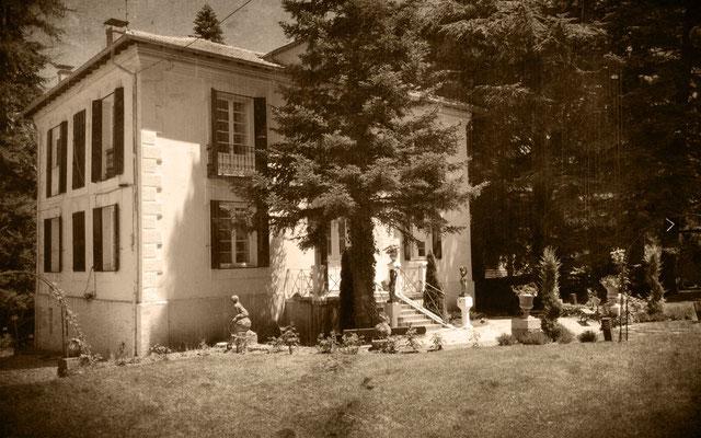 Exterior casa-palacete retocada años 20